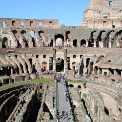 <b>Colosseum, Rome</b> | Kamera: E990 | Brennweite: 8.2mm | Blende: ƒ/7 | Verschlusszeit: 1/385s | ISO: 100