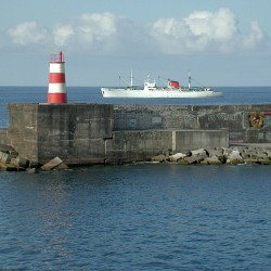 <b>Ponta Delgada, The Azores, Portugal</b> | Kamera: E990 | Brennweite: 23.4mm | Blende: ƒ/7.9 | Verschlusszeit: 1/244s | ISO: 100