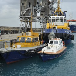 <b>Pilot boats, Bridgetown, Barbados</b> | Kamera: NIKON D700 | Brennweite: 40mm | Blende: ƒ/9 | Verschlusszeit: 1/400s | ISO: 200