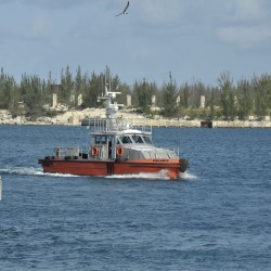<b>Pilot boat, Grand Bahama</b> | Kamera: NIKON D700 | Brennweite: 200mm | Blende: ƒ/10 | Verschlusszeit: 1/400s | ISO: 200