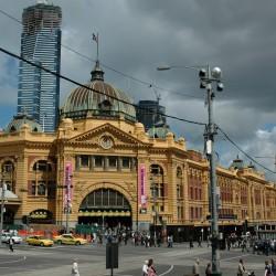 <b>Flinders Street Station, Melbourne</b> | Kamera: NIKON D70s | Brennweite: 25mm | Blende: ƒ/4 | Verschlusszeit: 1/3200s |