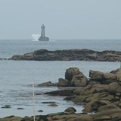 <b>Phare du Four (Argenton), 2.5nm west of Porspoder, Brittany</b> | Kamera: NIKON D70s | Brennweite: 210mm | Blende: ƒ/4.5 | Verschlusszeit: 1/1600s |