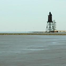 "<b>Lighthouse ""Obereversand"", Dorumer Neufeld, Germany</b> | Kamera: NIKON D70s | Brennweite: 70mm | Blende: ƒ/7.1 | Verschlusszeit: 1/500s |"
