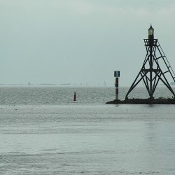 <b>Port entrance of Hoorn, The Netherlands</b> | Kamera: NIKON D70s | Brennweite: 200mm | Blende: ƒ/8 | Verschlusszeit: 1/1600s |