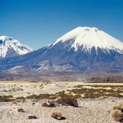 <b>Volcanos Pomerape and Parinacota</b> | Kamera: NIKON D700 |  |  | Verschlusszeit: 1/80s | ISO: 200