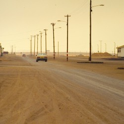 <b>The direct way out of town, Swakopmund</b> | Kamera: NIKON D700 |  |  | Verschlusszeit: 1/320s | ISO: 200
