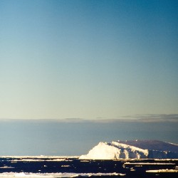 <b>Iceberg ahead!</b> | Kamera: NIKON D700 |  |  | Verschlusszeit: 1/40s | ISO: 200