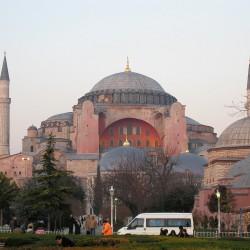 <b>Hagia Sophia, Istanbul</b> | Kamera: Canon DIGITAL IXUS 850 IS | Brennweite: 14.694mm | Blende: ƒ/5.6 | Verschlusszeit: 1/25s |