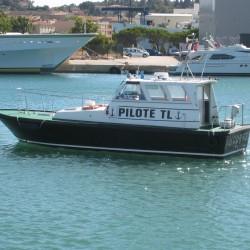 <b>Pilot boat, Toulon</b> | Kamera: Canon DIGITAL IXUS 850 IS | Brennweite: 17.3mm | Blende: ƒ/5.8 | Verschlusszeit: 1/320s |