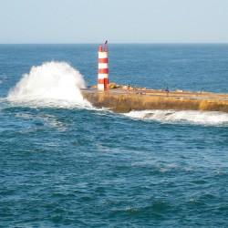 <b>Farol de Barra Nova - Molhe E. (approch Faro)</b> | Kamera: Canon DIGITAL IXUS 850 IS | Brennweite: 17.3mm | Blende: ƒ/5.8 | Verschlusszeit: 1/320s |