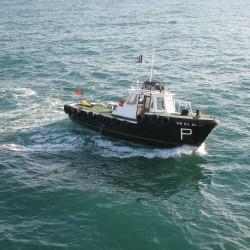 <b>Pilot boat, Faro</b> | Kamera: Canon DIGITAL IXUS 850 IS | Brennweite: 9.107mm | Blende: ƒ/4 | Verschlusszeit: 1/400s |