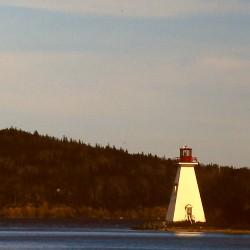 <b>Kidston Island lighthouse, Baddeck, Canada</b> | Kamera: Filmscan 35mm |  |  | Verschlusszeit: 1/11s |
