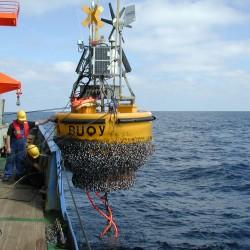 <b>Buoy recovery north of Tenerife</b> | Kamera: E990 | Brennweite: 8.2mm | Blende: ƒ/7 | Verschlusszeit: 1/300s | ISO: 100