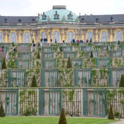 <b>Sanssouci, Potsdam</b> | Kamera: NIKON D700 | Brennweite: 125mm | Blende: ƒ/9 | Verschlusszeit: 1/100s | ISO: 200