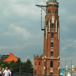 <b>Alter Leuchtturm (Loschenturm), Bremerhaven</b> | Kamera: NIKON D70s | Brennweite: 35mm | Blende: ƒ/13 | Verschlusszeit: 1/320s |