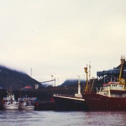 <b>Longyearbyen harbour</b> | Kamera: NIKON D700 |  |  | Verschlusszeit: 1/80s | ISO: 200