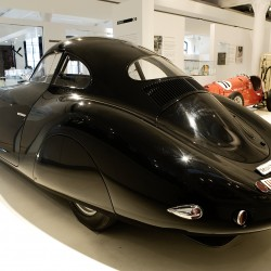"<b>Porsche Typ 64 ""Berlin-Rom-Wagen""</b> | Kamera: NIKON D700 | Brennweite: 24mm | Blende: ƒ/7.1 | Verschlusszeit: 1/13s | ISO: 800"